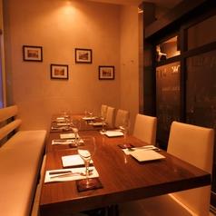 【宴会個室】スタイリッシュで洗練されたデザインの個室は会社飲みや女子会、合コンなどに最適です!プライベートな空間でお食事をお楽しみいただけます♪各種ご宴会にはぜひご利用ください!!
