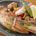 料理メニュー写真【上州麦豚 真空低温調理】自家製厚切りベーコンステーキ