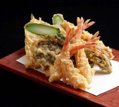 旬、油、食楽、調理にこだわる天ぷら料理屋