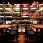 ワインセラー前4名様のテーブル席