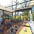 テラス席は爽やかな風が吹き抜けます♪両国テラスカフェは普段使いから特別な一日まで、あらゆるシーンでご利用可能★