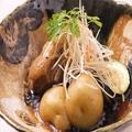 料理メニュー写真竜神豚の角煮 温玉添え