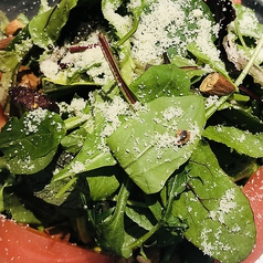 トマトとルッコラのサラダ