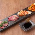 日本全国より厳選した和牛とワイン・日本酒のペアリングを愉しむ!赤身肉とお酒の相性を考え、こだわりのお酒をセレクト。