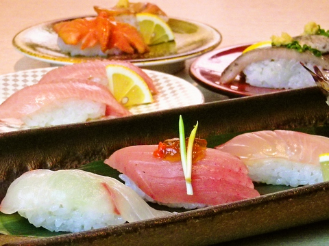 リーズナブル、でも少し贅沢にお鮨を食べたい。そんな両方の希望を実現した回転寿司