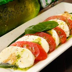 カプレーゼ(トマトとモッツァレラチーズ)
