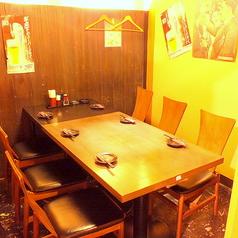 6名様用テーブルの完全個室