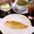 料理メニュー写真ボリビアパイセット
