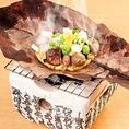 ≪梅田で信州料理を堪能≫合鴨の朴葉味噌焼き・おやき三種など、地酒に合う信州料理をご用意しております!また、こだわりの信州そばは〆にもぴったり!辛味大根ざるそば・鴨せいろそば・鴨南蛮そば・車海老天ぷらそば等種類豊富にございます!是非一度ご賞味ください♪