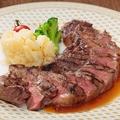 料理メニュー写真黒毛アンガス牛使用 サーロインステーキ