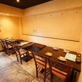 2Fは14~19名様まで◎お席の間隔が広いテーブル席でゆったりとおくつろぎいただけます。お席をつなげて中宴会も承ります!