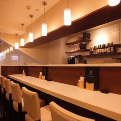 【カウンター席】カウンター席もあるのでお一人様も大歓迎♪仕事の合間のランチタイムも良し、夜の一杯やお食事にも良し◎!