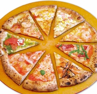 かまどで焼き上げたピザ
