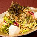 料理メニュー写真定番の木村屋特製サラダ (明太子ドレッシングで)