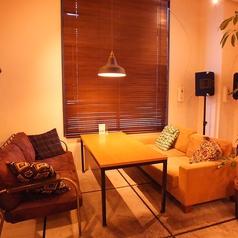 広々とした居心地抜群のソファー席!ゆったりお食事や会話をお楽しみください♪