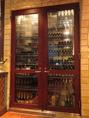 店内には大きなワインセラーがあります!お酒に迷ったらぜひスタッフにお声がけください♪もちろん牡蠣に合うお酒もご提案させていただきます!