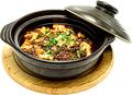 料理メニュー写真熱々鍋マーボ豆腐