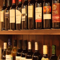 ジンギスカンにもぴったりな種類豊富なボトルワイン♪