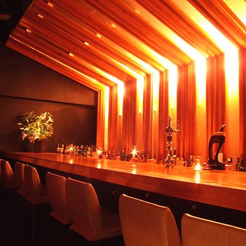 女子会、デートに…ビル中の完全隠れ家。森田ヤスミチ氏デザインのおしゃれBAR