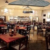天井の高い広々スペース!貸切パーティーにぴったりな空間です。結婚式の2次会や会社の食事会、歓送迎会等沢山の団体予約様にご好評頂いております。立食、ビュッフェ形式のご相談に応じます。