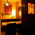 こだわりのアンティークランプで演出されたテーブル個室♪