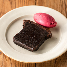 チョコレートのテリーヌ アイス添え