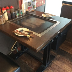 【1F】 2名様用テーブル席です。