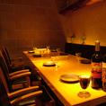 【6~10名:テーブル席】少人数、合コン、誕生日パーティに最適な席。個室ではありませんが照明が程よく落ち着きます