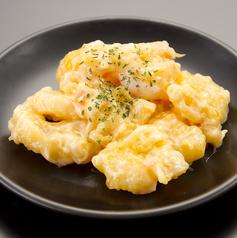 料理メニュー写真プリプリエビマヨ
