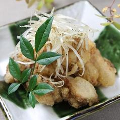 料理メニュー写真博多地鶏の塩唐揚げ