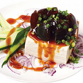 料理メニュー写真ピータン豆腐(ピータントフー)