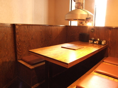 テーブル席のご用意もあります!4名席と6名席があります!