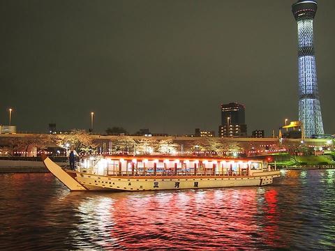 屋形船の東京湾クルージングなら、老舗三河屋にお任せください。