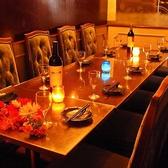 6名様用テーブル席★女子会やママ会、合コンなどの少人数飲み会におすすめです♪~個室居酒屋 ビアホール 宴会 飲み会 女子会 合コン 記念日 誕生日 デート 3時間 無制限 飲み放題 食べ放題ならデザイナーズ個室×食べ放題 桜ガーデン-sakura garden- 渋谷店