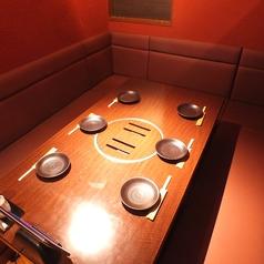 こちらは6名様用のお席になります。女子会に焼肉なんていかがでしょう…?大好きな仲間と楽しい時間を過ごすなら甘太郎 川越店で決まり☆記念日やパーティーには、特製ケーキを準備いたします!★