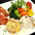 料理メニュー写真野菜プレート(温野菜8種、ツナサラダ、ポテトサラダ、トマトサラダ)
