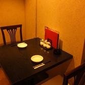 一人でゆったり過ごしたいランチタイムや、お友達とのディナーなどにも最適なテーブル席です!