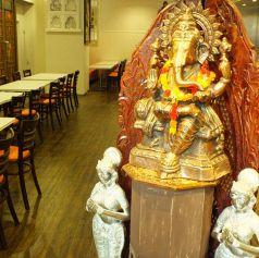 インドの神様ガネーシャ☆あなたにカレーの美味しさと幸せを運んでくれる♪