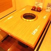 焼肉六甲 元町店の雰囲気3