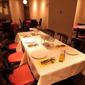 テーブル席は人数にあわせてご案内いたします。