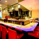 デートシーンにオススメのオシャレなカウンター席も完備! 美味しいお料理とワインでお洒落に過ごしてみてはいかがでしょうか?