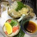 料理メニュー写真旬の能登の岩牡蠣「内浦は波が穏やかで成長が良いのが特長。身がふっくらしていてクリーミ♪大きさも◎」
