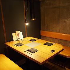 個室は2部屋ございます。仕切りを外せば、最大12名様までご利用可能です。ご予約にてどうぞ♪