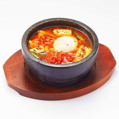 料理メニュー写真石鍋スンドゥブチゲ