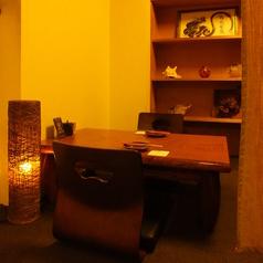 2名様用の半個室。デートにも最適