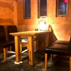 他席と独立したテーブル席!人気のため早めのご予約がオススメ♪