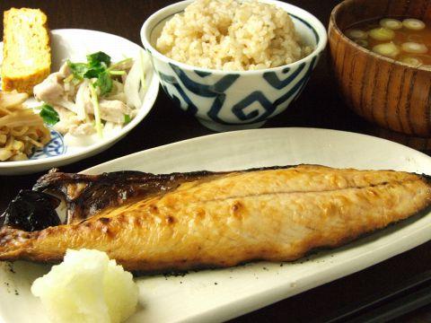 玄米BAR ユキガヤ食堂