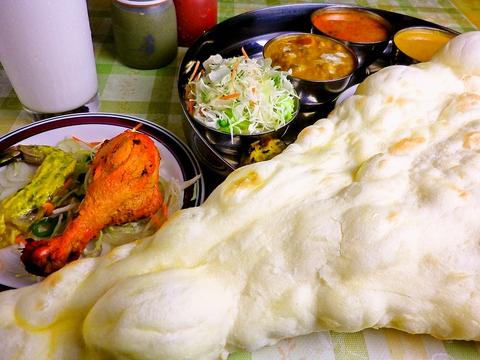 本場の一流シェフが研究に研究を重ねた絶品インド料理の店