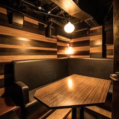 【3F】完全テーブル個室 6名様まで利用できる少人数向きのテーブル個室。靴を脱がずにそのままお気軽にどうぞ。合コンなどに人気です。