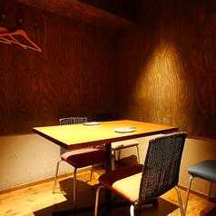 【1F】2人のペア個室としても、4名様でも使える完全個室。